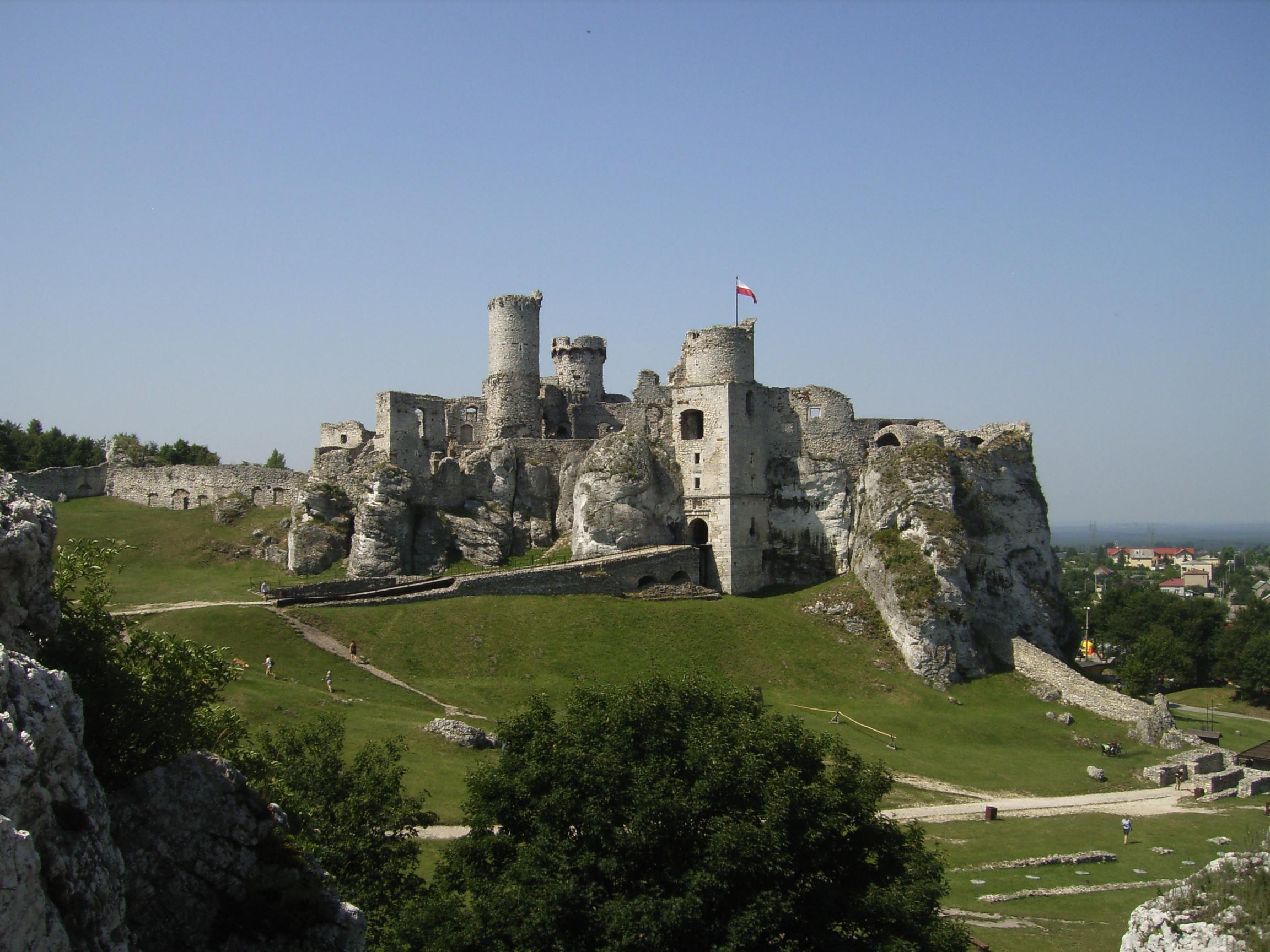 オグロジェニエツ城 / Zamek Ogrodzieniec (TBS)